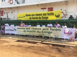 The Esperanza joins the Greenpeace Africa campaign in the DRC to save the Congo Basin forest (1).JPG
