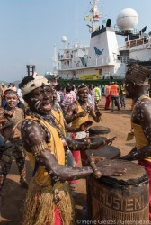 The Esperanza joins the Greenpeace Africa campaign in the DRC to save the Congo Basin forest.jpg